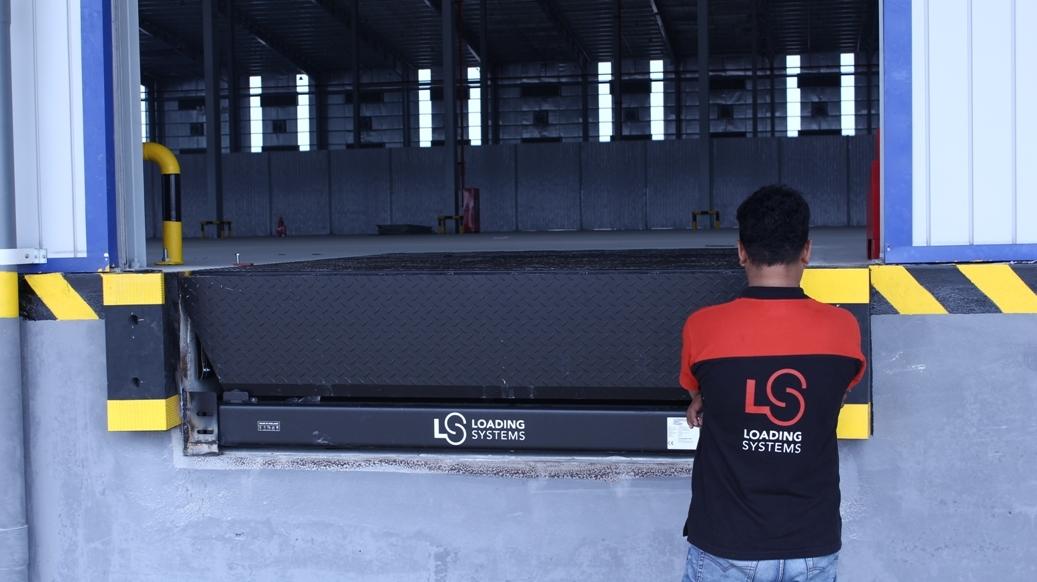 Dock-Leveller-2